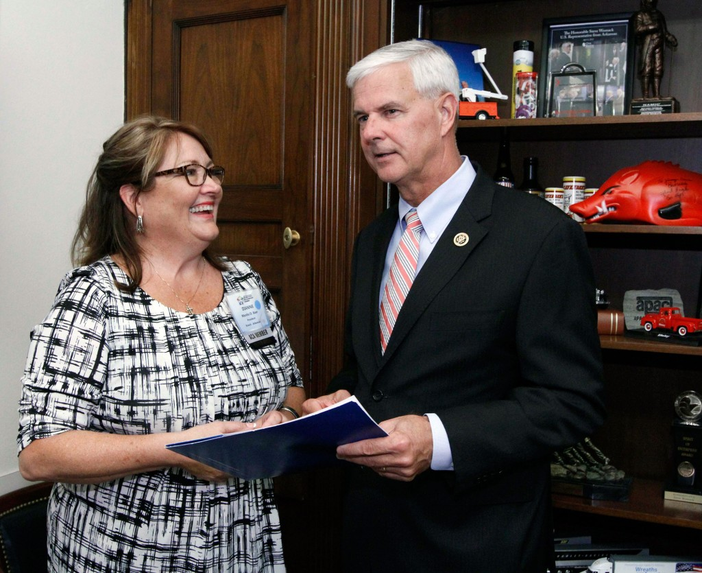 Dianne Baer, president of the Arkansas branch of the American Counseling Association, talks with Rep. Steve Womack (R-Ark. 3rd district).
